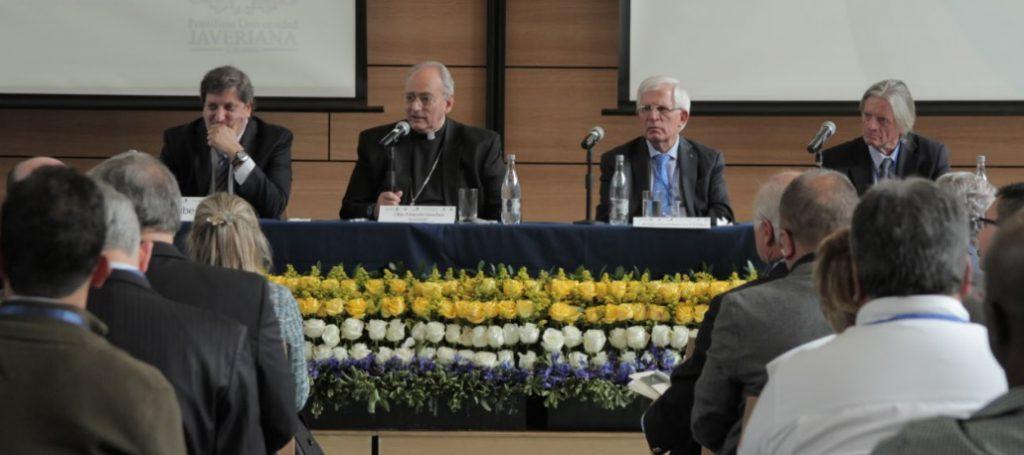 LA CATEDRA ORGANIZÓ EN COLOMBIA SEMINARIO POR LA PAZ PARA ACOMPAÑAR VISITA DE FRANCISCO